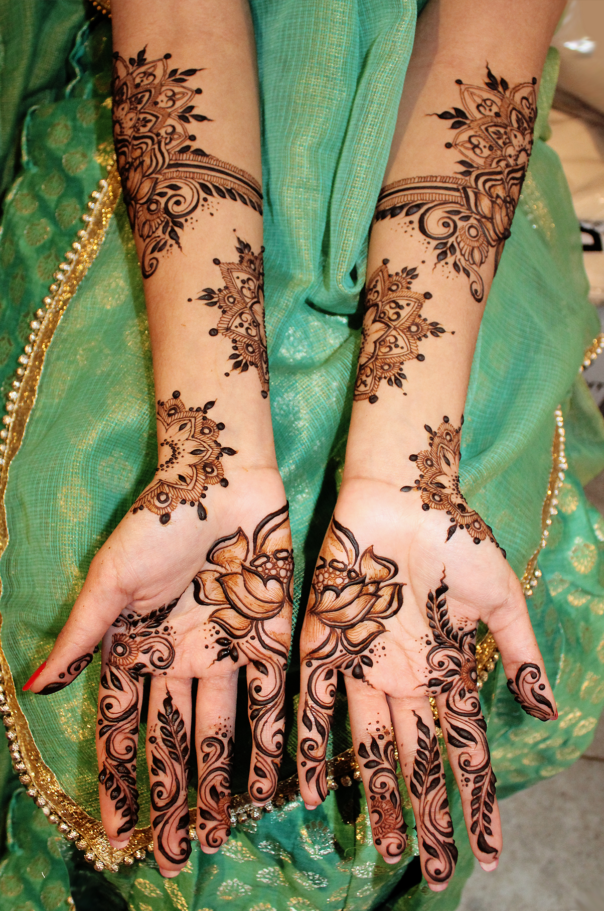Krunal Tailor, Henna Artist